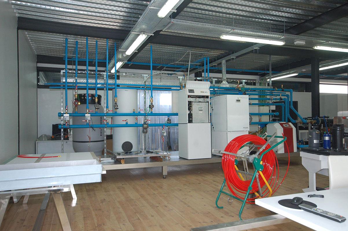 Laboratorio ensayos en Alfaro, formación, I+D Visitas a otros paises